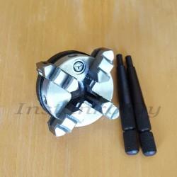 4-leukainen itsekeskittävä sorvinpakka (halk. 50mm)